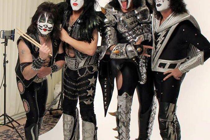 Kiss 2014 002 (facebook oficial)